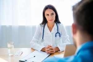 Заброс желчи в желудок: причины и лечение народными средствами